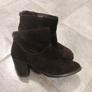 Steve Madden Milaan Suede Ankle Boots